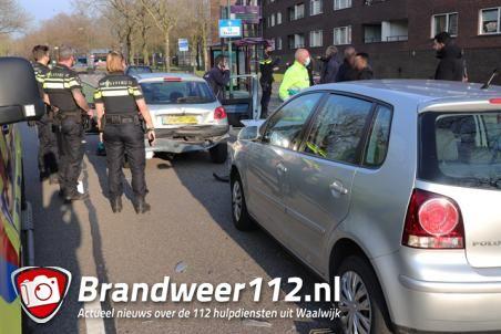 Twee auto's botsen aan de Blyde Incomstelaan Waalwijk