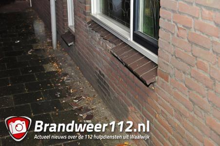 Auto ramt huis in Waalwijk en vlucht