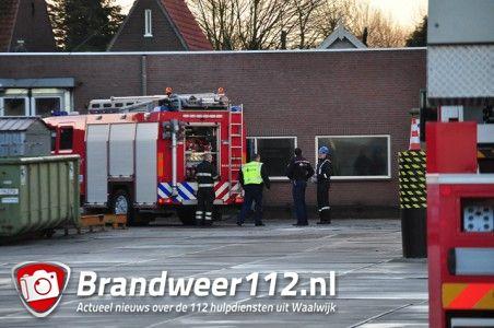 Binnenbrand bij Desso tapijt aan de Taxandriaweg Waalwijk