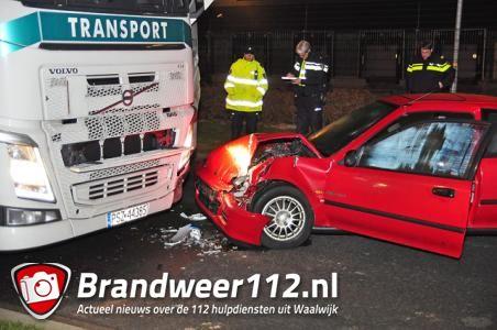 Man gewond na aanrijding met vrachtwagen aan de Van Hilststraat Waalwijk