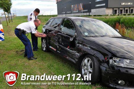 Politie treft flink beschadigde auto aan op de Midden-Brabantweg Waalwijk