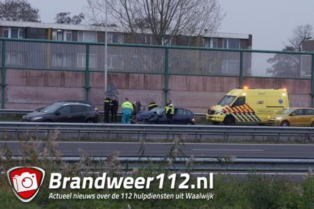 Gewonde bij botsing met drie auto's op A59 bij Waalwijk