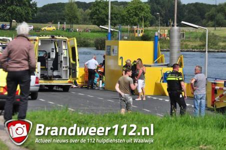 Reanimatie op veerpont bij Waalwijk