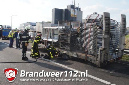 Brandende aanhanger op A59 zorgt voor lange file vanaf Den Bosch naar Waalwijk