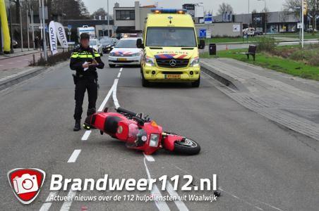 Motorrijder onderuit aan de Prof. Asserweg Waalwijk