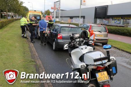 Vrouw gewond door kop-staartbotsing in Waalwijk