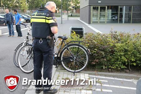 Kind bekneld tussen spaken van fiets aan de Olympiaweg Waalwijk