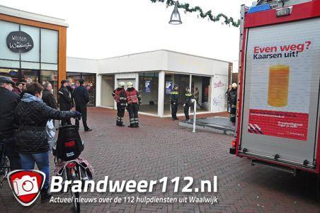 Brandweer rukt uit voor rookontwikkeling bij winkelcentrum De Els Waalwijk