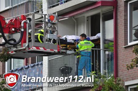Hoogwerker van brandweer ingezet aan de Noordstraat Waalwijk