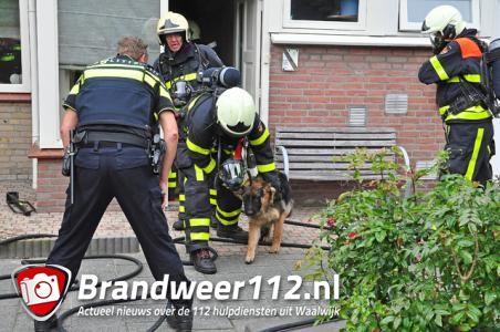 Brandweer redt hond uit brandend huis in Waalwijk