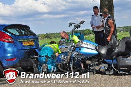 Ongeval tussen auto en motor aan de Valkenvoortweg Waalwijk