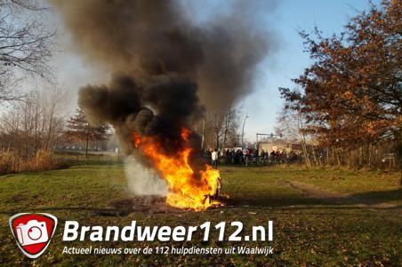 Rubberen zitbank gaat in vlammen op aan de Drunenseweg Waalwijk