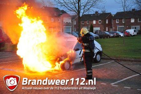 Autobrand aan de Zonnedauwstraat Waalwijk