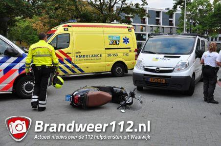 Aanrijding tussen snorscooter en auto aan de Heermanslaan Waalwijk