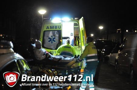 Man en vrouw mishandeld in woning in Waalwijk, politie zoekt daders, een dader mogelijk gewapend