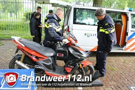 Scooter- en bromfietscontrole bij RKC aan de Olympiaweg Waalwijk