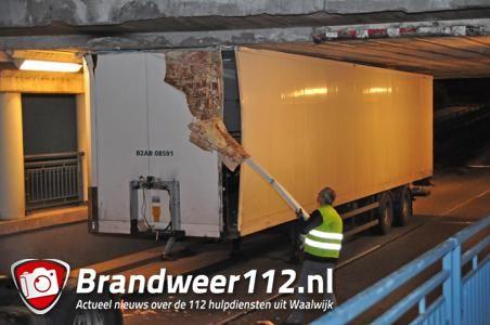 PostNL waarschuwt chauffeurs voor Waalwijks viaduct na twee ongevallen in een week
