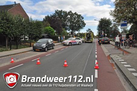 Vrouw raakt gewond na aanrijding in Waalwijk