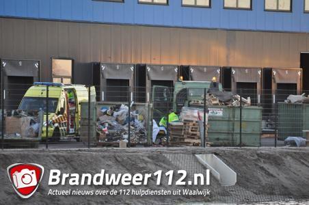 Bedrijfsongeluk op terrein Bol.com, man gewond