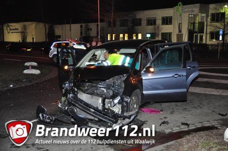 2 gewonden bij aanrijding aan de Sluisweg Waalwijk