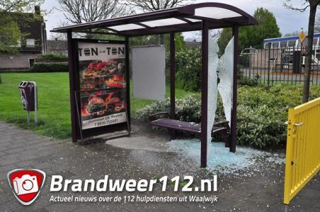 Groep jongens laat spoor van vernieling na in Waalwijk
