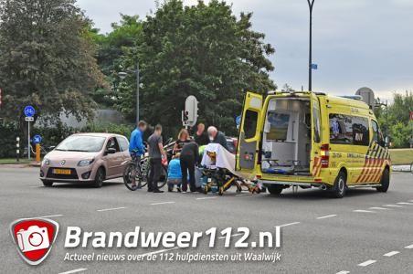 Vrouw gewond naar ziekenhuis door ongeluk met auto in Waalwijk