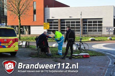 Wielrenner gaat hard onderuit aan de Zinkerweg Waalwijk