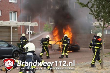 Porsche van 75.000 euro verwoest door brand in Waalwijk