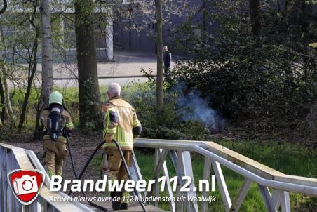Klein bosbrandje aan het Halve Zolenpad Waalwijk