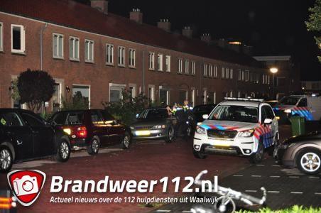 Politie schiet bij arrestatie na steekpartij aan de Guido Gezellestraat Waalwijk