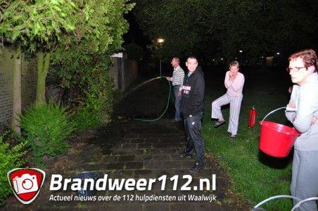 Conifeer in brand aan de Bergansiusstraat Waalwijk