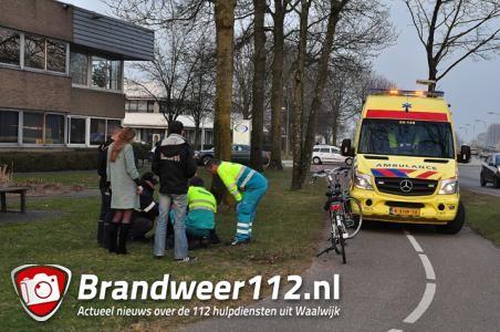 Fietser botst op andere fietser aan de Altenaweg Waalwijk