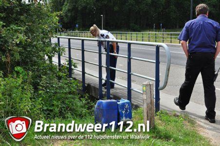 Omstander vindt 2 vaten aan de Drunenseweg Waalwijk
