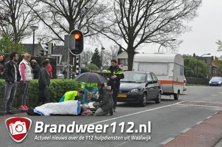 Fietser raakt gewond bij aanrijding met auto in Putstraat Waalwijk