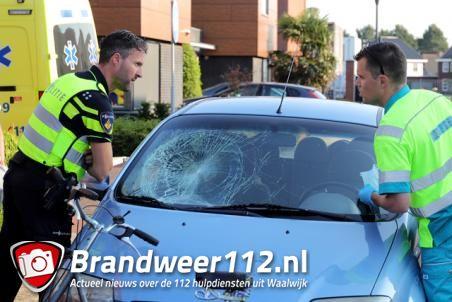 Automobilist botst op fietser op kruising Villa Fonteinkruid Waalwijk