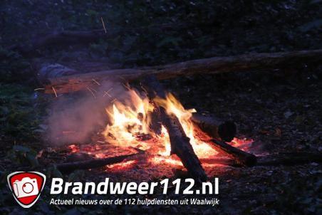 Kampvuurtje in bossen aan de Heulstraat Waalwijk