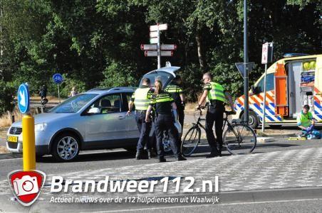 Fietser aangereden door automobilist in Waalwijk, slachtoffer met spoed naar ziekenhuis