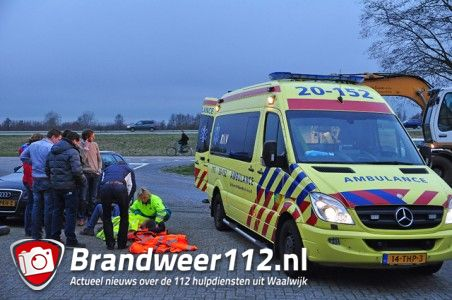 Man valt hard op wegdek aan de Cartografenweg Waalwijk