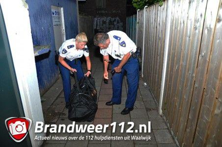Omstander vindt grote zwarte tas in brandgang aan de Poolsestraat Waalwijk