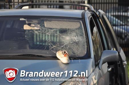 Vrouw raakt gewond bij botsing met auto Kleiweg Waalwijk