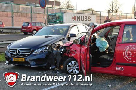 Drie auto's betrokken bij ongeluk in Waalwijk