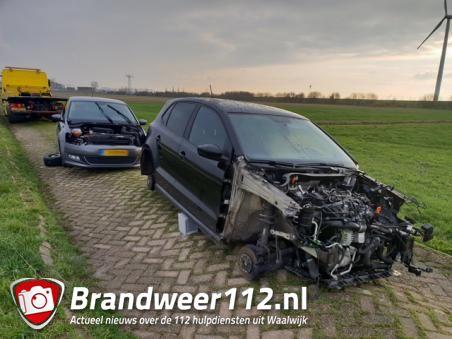 Drie gestolen auto's gestript achtergelaten in polder bij Waalwijk