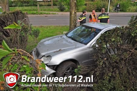 Beschonken man gaat ervandoor na ongeluk in Waalwijk en wordt aangehouden