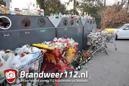 Wie in Waalwijk hield een groot feest? Glasbakken puilen uit