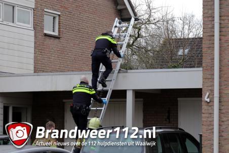 Brandweer en politie rukken uit voor hulpverlening aan de Antwerpenstraat Waalwijk