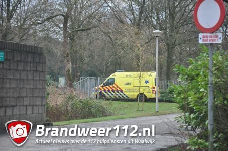 Vrouw onwel op begraafplaats Waalwijk na drinken onbekende vloeistof