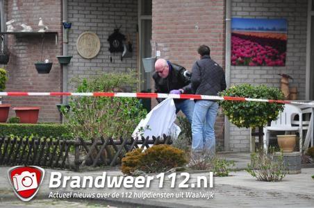 Dode man gevonden in voortuin van woning aan Dr. Kuyperlaan Waalwijk