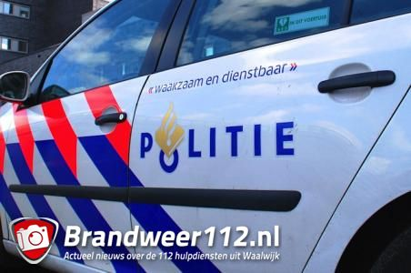 Woninginbreker op de vlucht in Waalwijk, politiehelikopter helpt mee zoeken