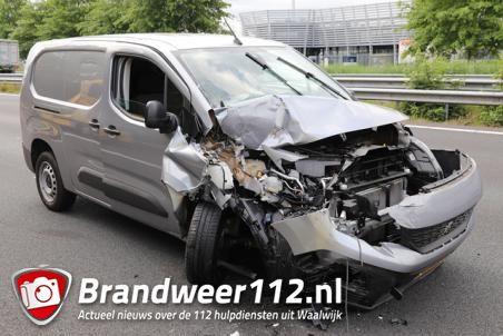Veel schade na ongeval op de A59 (Maasroute) Waalwijk
