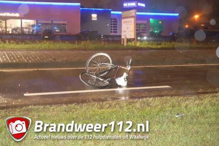 Fietser zwaargewond bij aanrijding met auto in Waalwijk